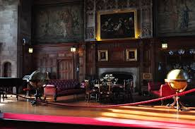 file bamburgh castle interior 5474430558 jpg wikimedia commons