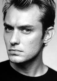 men haircut to make strong jaw jude law feminine male face strong jawline fuller eyebrows and