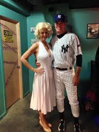 Prom Queen Halloween Costume Ideas 25 Marilyn Monroe Halloween Costume Ideas