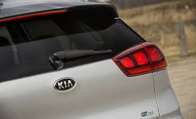 build a kia 2017 kia niro in depth model review car and driver