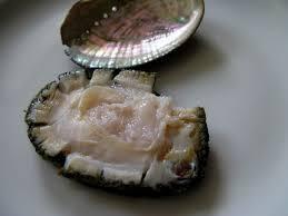 cuisiner des ormeaux ormeaux au yuzu makis au wakamé et aux langoustines cuisine de la mer