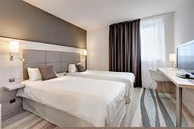 chambre 2 lits chambre 2 lits chambres spacieuses et design avec espace