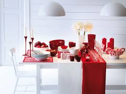 contemporary christmas decor home design ideas contemporary red white christmas table decor with simply beautiful white flowers in vase as centerpieces also