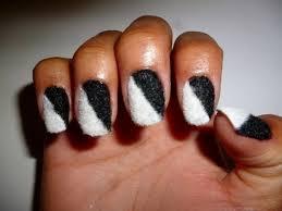 black and white nails nails10
