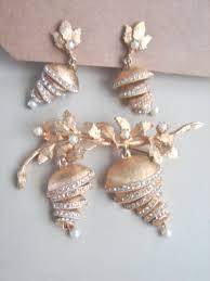 gaudy earrings vintage gaudy gold tone rhinestones drops vendome brooch