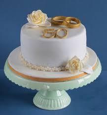 die besten 25 torte zur goldenen hochzeit ideen auf - Goldene Hochzeitstorte