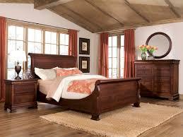 Manhattan Bedroom Furniture by Durham Furniture Vineyard Creek 4 Piece Master Sleigh Bedroom Set