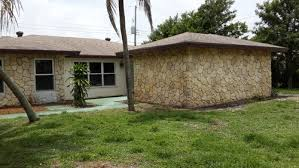 need help with exterior color flat faux stone on wall ideas