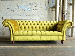 canap chesterfield 2 places canape chesterfield en velours perfekt canape chesterfield velours