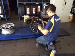 how to diy to paint your wheels with colorful rubber spray film 3