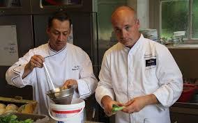 les meilleurs ouvriers de cuisine les chefs de martell dans la course finale au meilleur ouvrier de