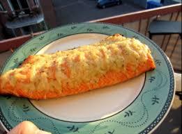 cuisiner un filet de saumon filet de saumon sur le gril confit d ail et d oignons recettes