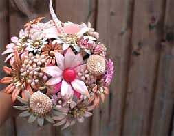 vintage bouquets brooch bridal bouquet unique wedding flowers vintage wedding style