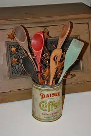 best 25 easy primitive crafts ideas on pinterest primitive dollar store spoons turned primitive kitchen decor