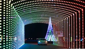 drive by christmas lights drive through christmas lights show tradition returns to coney