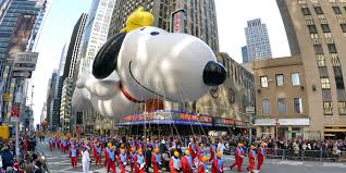 macy s thanksgiving day parade balloons fly through manhattan
