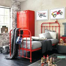 armoire metallique chambre armoire metallique pour chambre l armoire mactallique apporte