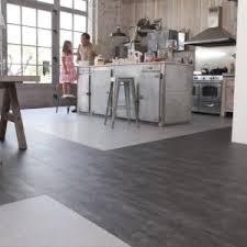 revetement sol cuisine pvc lino pour cuisine professionnelle attrayant mural 9 plancher de