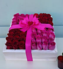 Roses In A Box Box Of Pink Roses In Los Angeles Ca La Fleur By Tracy