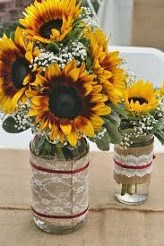 sunflower wedding ideas best 25 sunflower wedding centerpieces ideas on