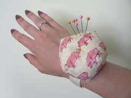 Armchair Pincushion Blog U2013 Planetjune By June Gilbank Wrist Pincushion