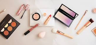 Make Up make heads turn with the makeup trends for s