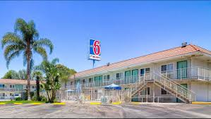 Six Flags Near Me Motel 6 Los Angeles Van Nuys North Hills Hotel In North Hills
