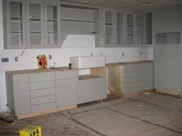 White Kitchen Cabinets Shaker Style Kitchen Doors Wonderful Shaker Kitchen Doors Knobs Or Handles