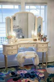 Shabby Chic Vanity Chair Breathtaking Vanity Love The Pop Of Color With The Pink Flowers