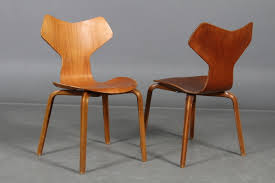 Arne Jacobsen Dining Chairs Teak Grand Prix Dining Chairs With Wooden Curved Legs By Arne