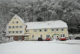 K Hen Im Landhausstil Pension Schlossberg Landgasthof Deutschland Frankenstein