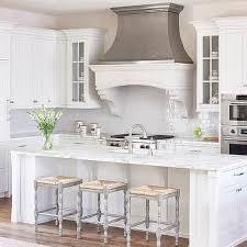 j aime ma cuisine la cuisine est tres blanc j aime ma cuisine mais je préférerais