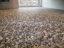 steinteppich badezimmer stunning bodenbelag für badezimmer images house design ideas