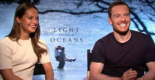 The Light Between Two Oceans Michael Fassbender Serenades Alicia Vikander With An Old Irish