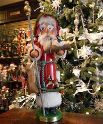 christmas nutcrackers steinbach nutcrackers christmas tree hill