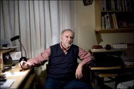 Julio Anguita en su casa
