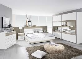 chambre contemporaine grise chambre blanche et grise galerie et chambre blanche et bois