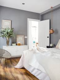 what color bedding goes with grey walls warm vs cool bedroom paint