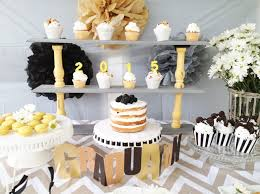 6 steps to creating a graduation dessert table