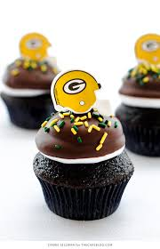football cupcakes nfl day cupcakes