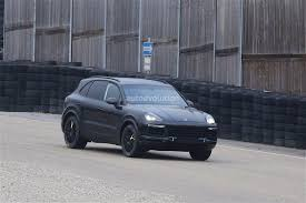 Porsche Cayenne Headlights - 2018 porsche cayenne mule spied for the first time autoevolution