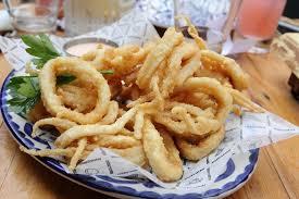 cuisiner le calamar la recette des calamars frits à la romaine la cuisine italienne