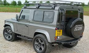 land rover discovery safari safari roof u0026 retro safari van with roof rack in cartoon style