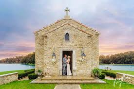 wedding chapel houston wedding chateau cocomar houston allison diy wedding 33501