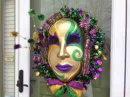 How To Make Mardi Gras Decorations How To Make An Extreme Mardi Gras Wreath So Easily Snapguide