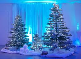 tree set with snow and snowballs blue