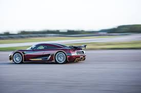 koenigsegg agera concept koenigsegg agera rs breaks production car speed record at 277 9 mph