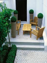 Small Garden Landscape Ideas Paved Garden Areas Are Low Maintenance Small Landscaping Ideas
