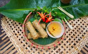 cuisine vietnamienne le nem le plus populaire des plats vietnamiens 360 degrés