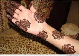 traditional and simple mehndi designs